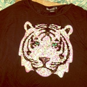 cute light weight long sleeve sequin tiger top